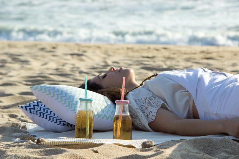 Le Fashionaire Beach Picnic beach picnic blogger inspiration zara overall white love lefties 9379 EN 805x537