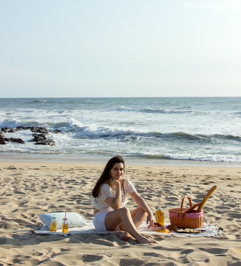 Le Fashionaire Beach Picnic beach picnic blogger inspiration zara overall white love lefties 9391 EN 805x891