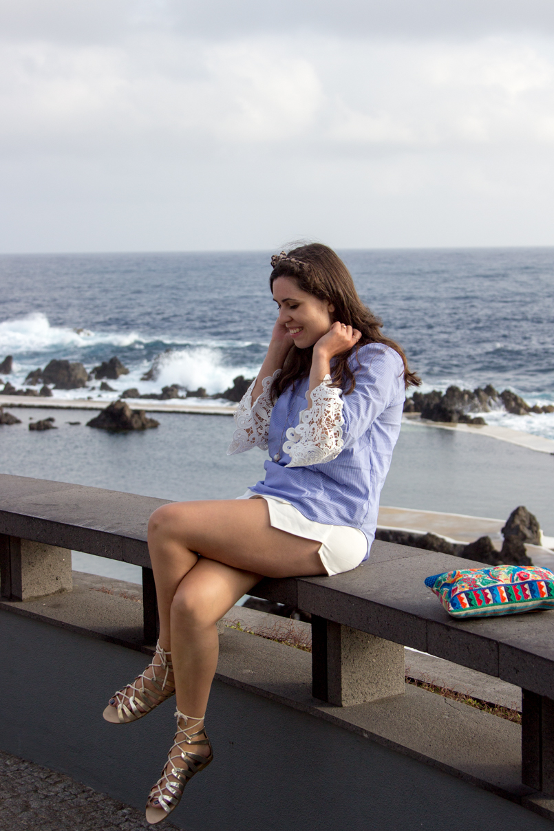 Le Fashionaire Travel Diary: The embroidered shirt in Porto Moniz lefashionaire catarine martins travel diary embroidered—shirt outfit zara madeira portugal porto moniz beautiful blogger blue white 3432 EN 805x1208