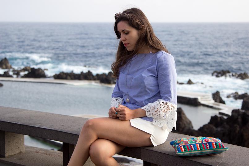 Le Fashionaire Travel Diary: The embroidered shirt in Porto Moniz lefashionaire catarine martins travel diary embroidered—shirt outfit zara madeira portugal porto moniz lovely portrait blue white 3427 EN 805x537