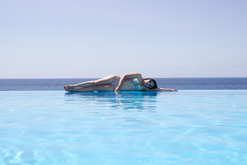 Le Fashionaire Travel Diary: Summer Memories madeira hotel vidamar infinity pool summer time blogger amazing wonderful awesome 4117 EN 805x537