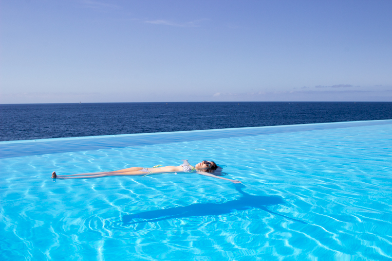 Le Fashionaire Travel Diary: Summer Memories madeira hotel vidamar infinity pool summer time blogger amazing wonderful awesome 4160 EN 805x537