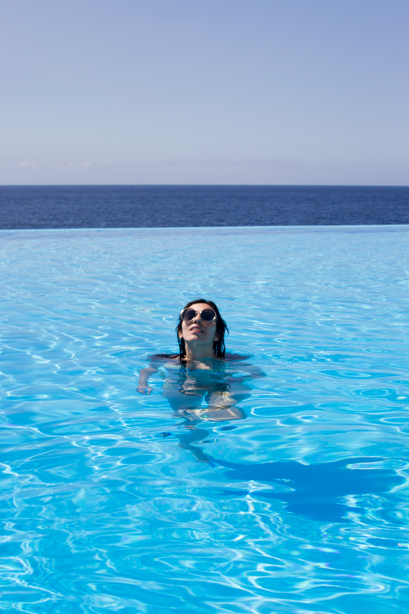 Le Fashionaire Travel Diary: Summer Memories madeira hotel vidamar infinity pool summer time blogger amazing wonderful awesome 4176 EN 805x1208