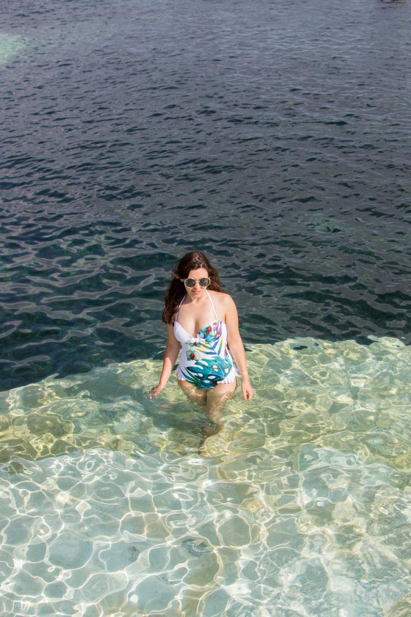 Le Fashionaire Travel Diary: Natural Sea Pool in Porto Moniz madeira porto moniz orchid swimsuit trend natural pool porto moniz blogger blue summer 3706 EN 805x1208
