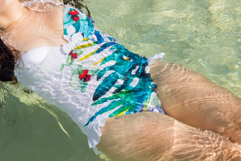 Le Fashionaire Travel Diary: Natural Sea Pool in Porto Moniz madeira porto moniz orchid swimsuit trend natural pool porto moniz blogger blue summer 3730 EN 805x537
