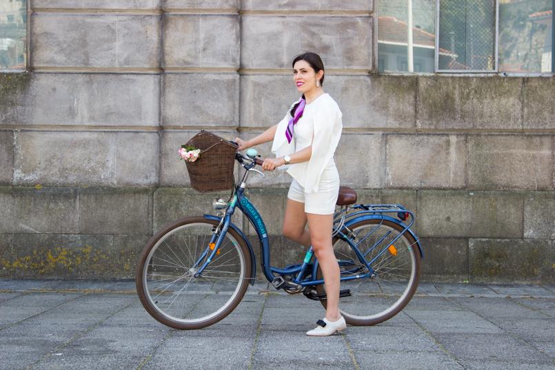 Le Fashionaire Tomorrows Secret porto bike playsuit romper asos roses blogger dreamy editorial pucci 0901 EN 805x537
