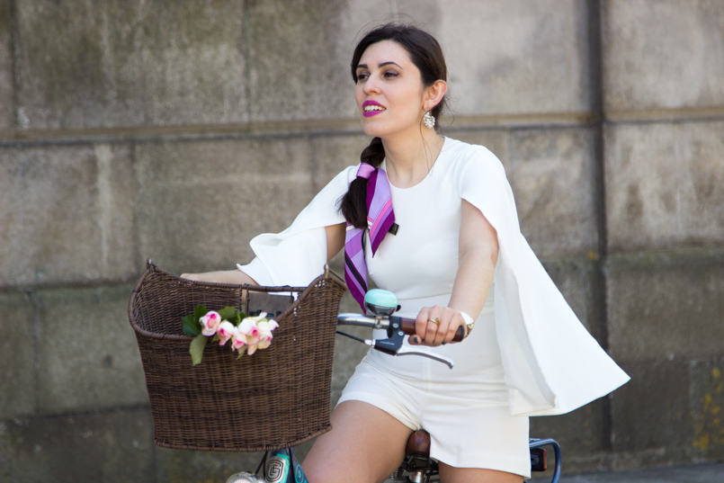 Le Fashionaire Tomorrows Secret porto bike playsuit romper asos roses blogger dreamy editorial pucci 0975 EN 805x537