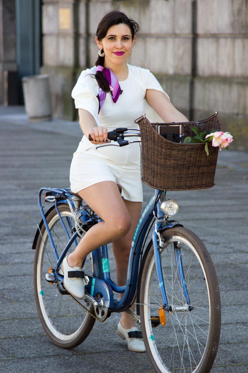Le Fashionaire Tomorrows Secret porto bike playsuit romper asos roses blogger dreamy editorial pucci 0985 EN 805x1208