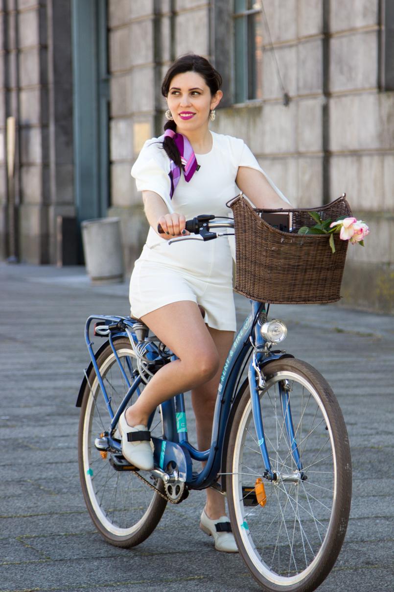 Le Fashionaire Tomorrows Secret porto bike playsuit romper asos roses blogger dreamy editorial pucci 0986 EN 805x1208