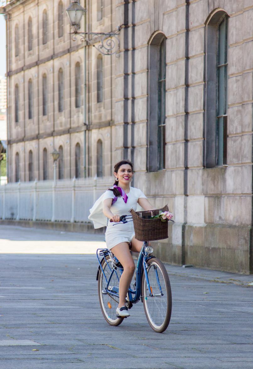Le Fashionaire Tomorrows Secret porto bike playsuit romper asos roses blogger dreamy editorial pucci alfandega 1009 EN 805x1176