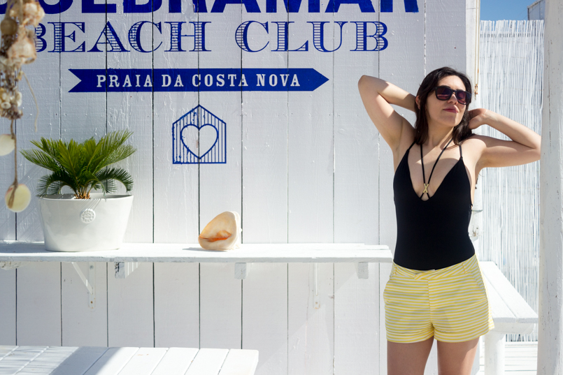 Le Fashionaire Bye bye, summer portugal costa nova beach summer blogger quebramar club beachclub women secret swimsuit black shorts zara sunnies dolce gabbana 0606 EN 805x537