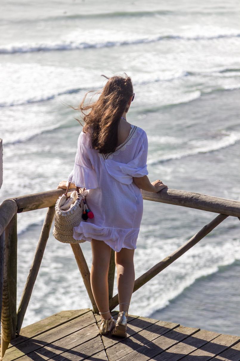 Le Fashionaire Postcards from Ericeira portugal ericeira blogger postcard sea beach coast primark basket stradivarius flats dolce gabbana sunnies hm earrings rosefield watch 5793 EN 805x1208