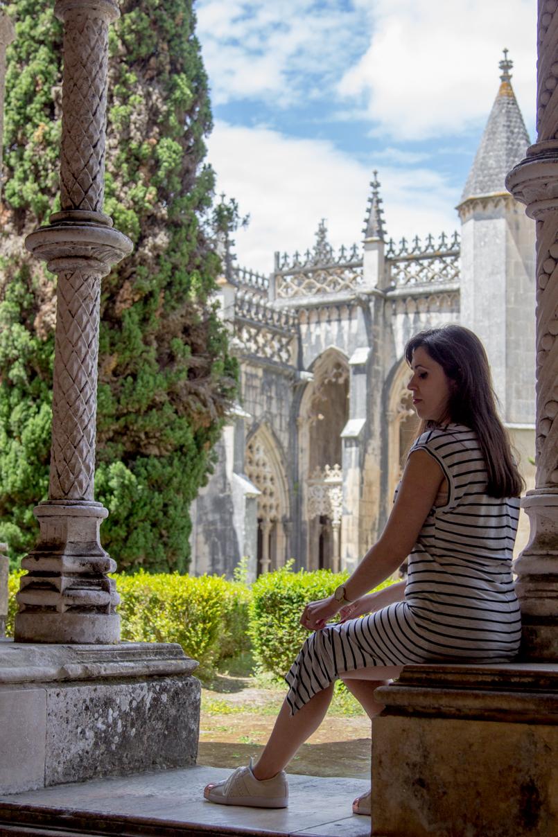 Le Fashionaire Wandering around Batalha Monastery portugal monument batalha monastery garden look gothic 0109 EN 805x1208