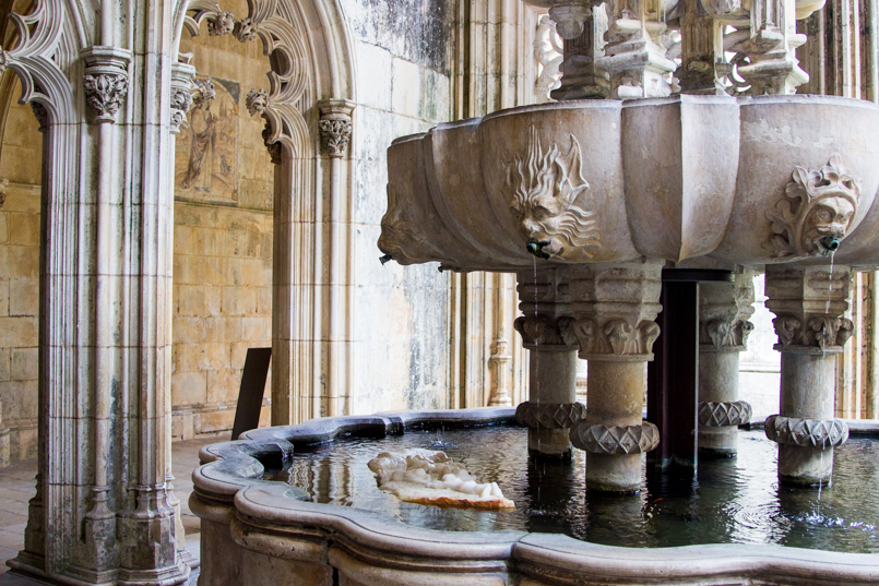 Le Fashionaire Vamos colecionar monumentos? portugal monumento mosteiro batalha fonte banhos lavatorio 0227 PT 805x537