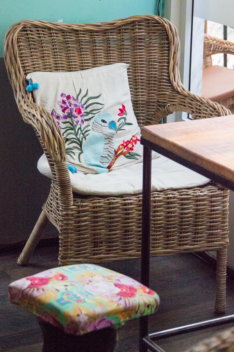 Le Fashionaire Blue shades of Ericeira portugal vila ericeira surf blogueira cadeira almofada 5218 PT 805x1208