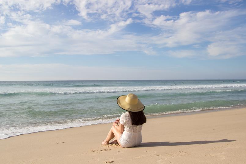 Le Fashionaire Branco praia rei cortico macacao branco blogueira bonita areia mar horizonte azul 0385 PT 805x537