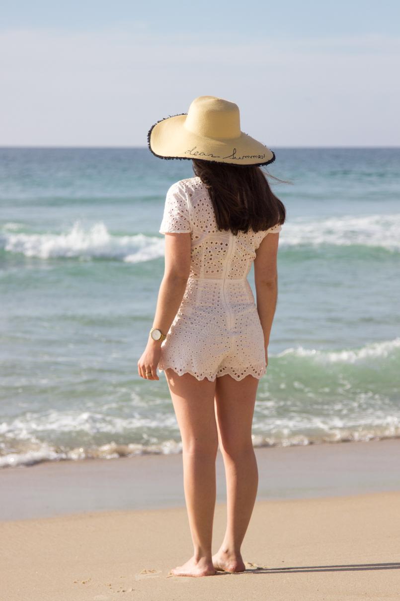 Le Fashionaire White white embroidered romper desert beach inspiring blogger hat mango 0354 EN 805x1208