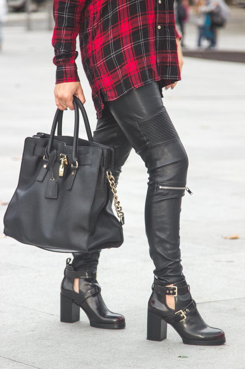 Le Fashionaire Serpentine black leather zippers zara burgundy ankle double buckle boots black leather gold hamilton bag michael kors 7677 EN 805x1208