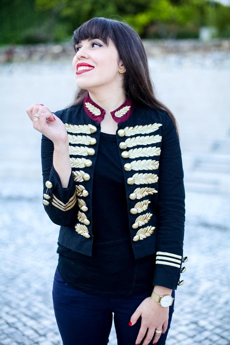 Le Fashionaire Quando tinha franja: o casaco militar de corte napoleónico casaco militar minusey estilo michael jackson dourado preto vermelho tshirt preta zara anel branco dourado pele calvin klein 5829 PT 805x1208