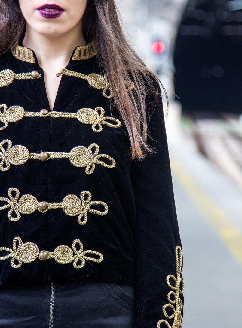 Le Fashionaire Estação de São Bento casaco militar veludo bordado dourado alamares zara batom mac purpura escuro instigator estacao comboios sao bento 8003 PT 805x1093