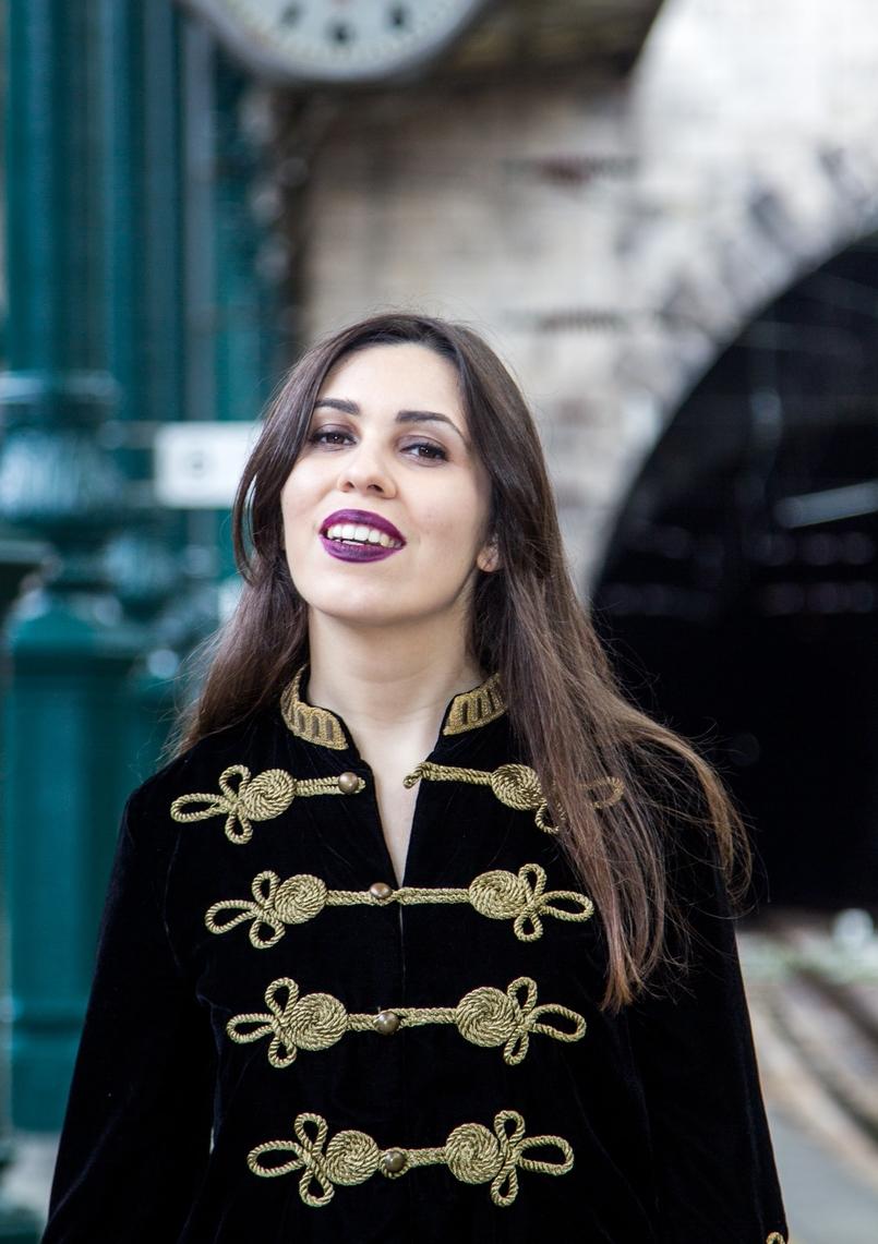 Le Fashionaire Estação de São Bento casaco militar veludo bordado dourado alamares zara batom mac purpura escuro instigator estacao comboios sao bento 8009 PT 805x1141
