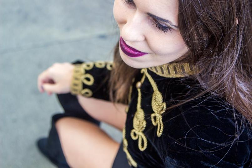 Le Fashionaire Estação de São Bento casaco militar veludo bordado dourado alamares zara batom mac purpura escuro instigator estacao comboios sao bento 8019 PT 805x537