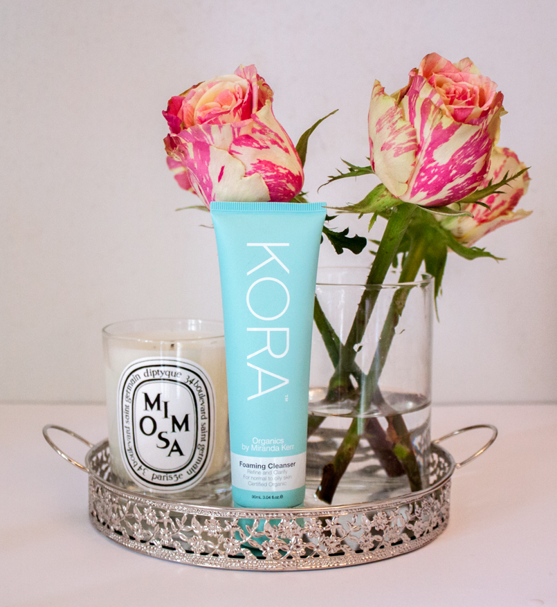 Le Fashionaire Kora by Miranda Kerr catarine martins blogger beauty tips product kora foaming cleanser miranda kerr candle mimosa dityque flower rose 9815 EN 805x877