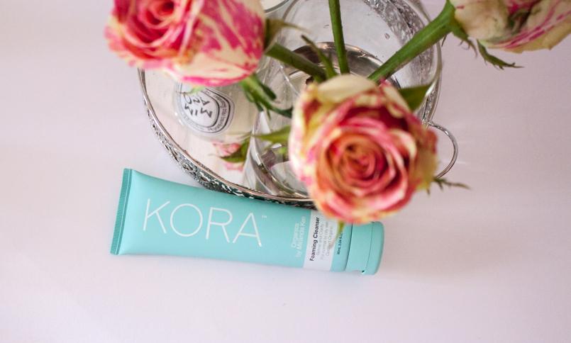 Le Fashionaire Kora by Miranda Kerr catarine martins blogger beauty tips product kora foaming cleanser miranda kerr candle mimosa dityque flower rose 9823 EN 805x484