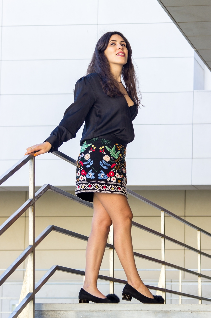 Le Fashionaire Do not put a label on it catarine martins blogger embroidered zara black colorful skirt pompom black gold shoes aldo 5970 EN 805x1208