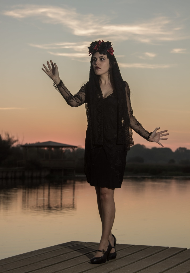 Le Fashionaire I put a spell on you catarine martins blogger lake halloween flower crown black red claires zara lace black dress vivenne westwood melissa shoes 6924 EN 805x1157