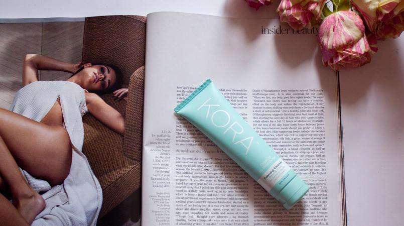 Le Fashionaire Kora by Miranda Kerr catarine martins blogueira beauty dicas beleza produto kora gel limpeza azul miranda kerr flor rosa 9805 FEATURED PT 805x450