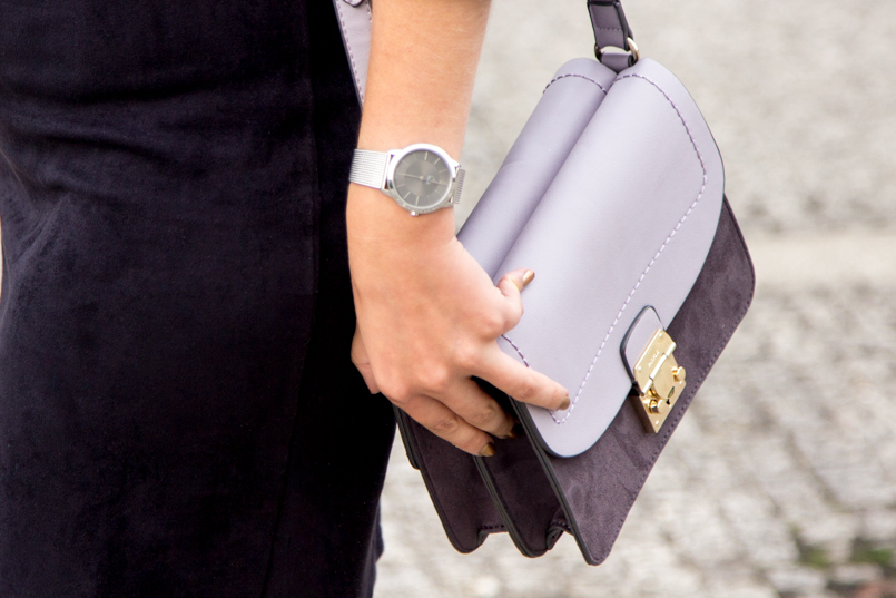 Le Fashionaire Simple as a black dress fashion blogger catarine martins Bag Parfois Purple Grey 6589 EN 805x537
