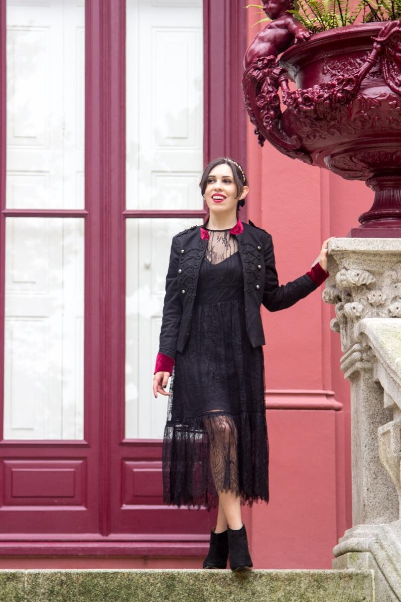 Le Fashionaire Veludo Carmim jardim botanico porto casaco militar preto veludo vermelho stradivarius vestido renda preto botins zara pretos tachas brilhantes 7350 PT 805x1208