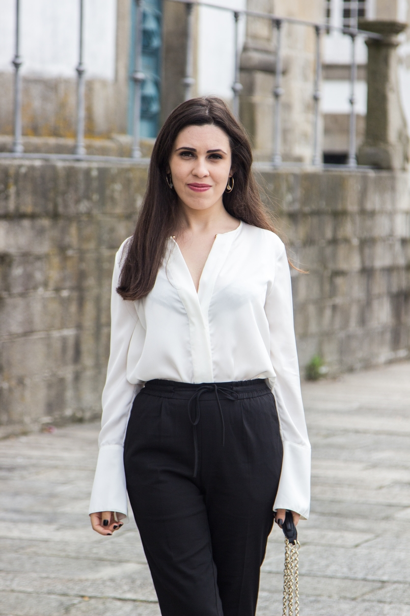 Le Fashionaire Effortless Chic oporto se cathedral black zara comfy pants white silk zara shirt hoop gold earring hm 7019 EN 805x1208