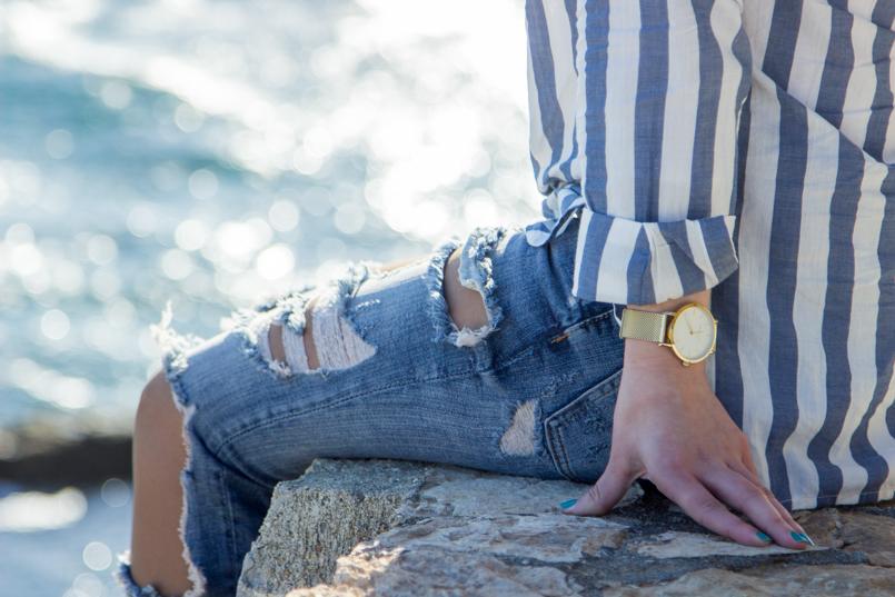 Le Fashionaire Viva la vida portugal guincho beach inspiration blogger sea asos stripe torn pants blue clock rosefield 8173 EN 805x537
