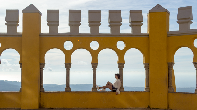 Le Fashionaire Once upon a time... portugal palace pena sintra blogger landscape arches yellow sky blue balcony img 7970 en 805x450