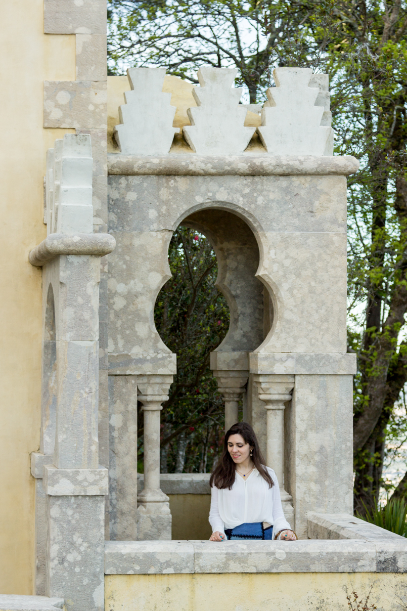 Le Fashionaire Once upon a time... portugal palace pena sintra blogger princess balcony shirt zara earrings mango skirt zara catarine martins img 8005 en 805x1208