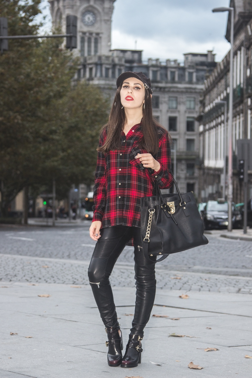 Le Fashionaire Serpentine tartan red black snake embroidered shirt zara black leather zippers zara black leather gold hamilton bag michael kors black piercing parfois cap 7695 EN 805x1208