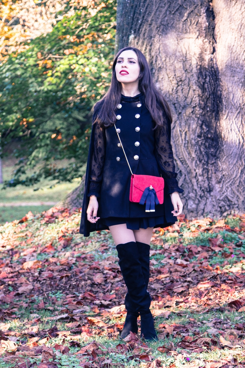 Le Fashionaire Why you should try new things blogger catarine martins cape sheinside shorts zara over the knee boots stradivarius clutch mango earrings hm black autumn tree dry leaf 9504 EN 805x1208