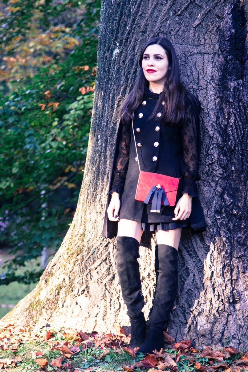 Le Fashionaire Why you should try new things blogger catarine martins cape sheinside shorts zara over the knee boots stradivarius clutch mango earrings hm black autumn tree dry leaf 9544 EN 805x1208