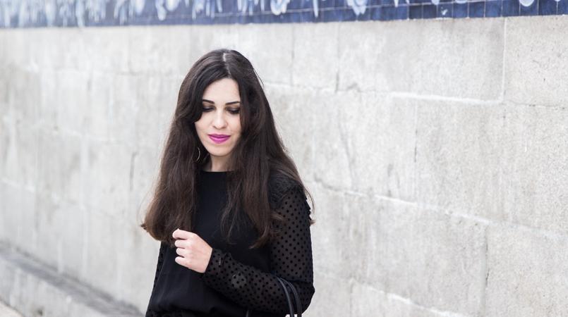 Le Fashionaire Good Vibes blogger catarine martins carmo church fashion inspiration black blouse velvet dots zara 7430F EN 805x450