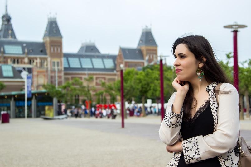 Le Fashionaire Diário de Viagem: Amsterdão II blogueira catarine martins amesterdao casaco preto branco bordado sheinside vestido comprido renda zara 0771 PT 805x537