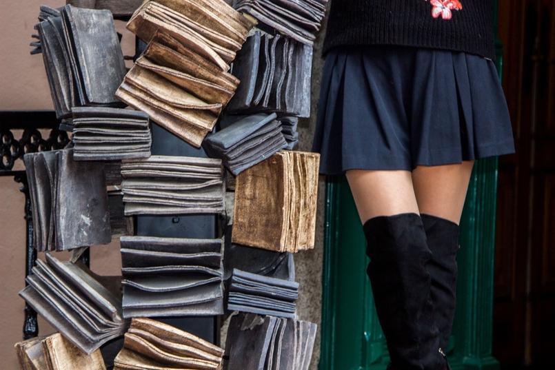 Le Fashionaire Chiado Café Literário blogueira catarine martins botas pretas acima joelho stradivarius calcoes pretos zara 0132 PT 805x537