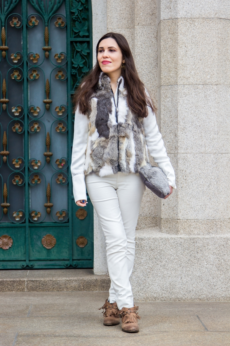 Le Fashionaire Lets talk about leather brown white leather fur vest pants white zara fringes camel bershka ankle boots white silk gold buttons zara shirt leather fur grey sfera clutch 9592 EN 805x1208
