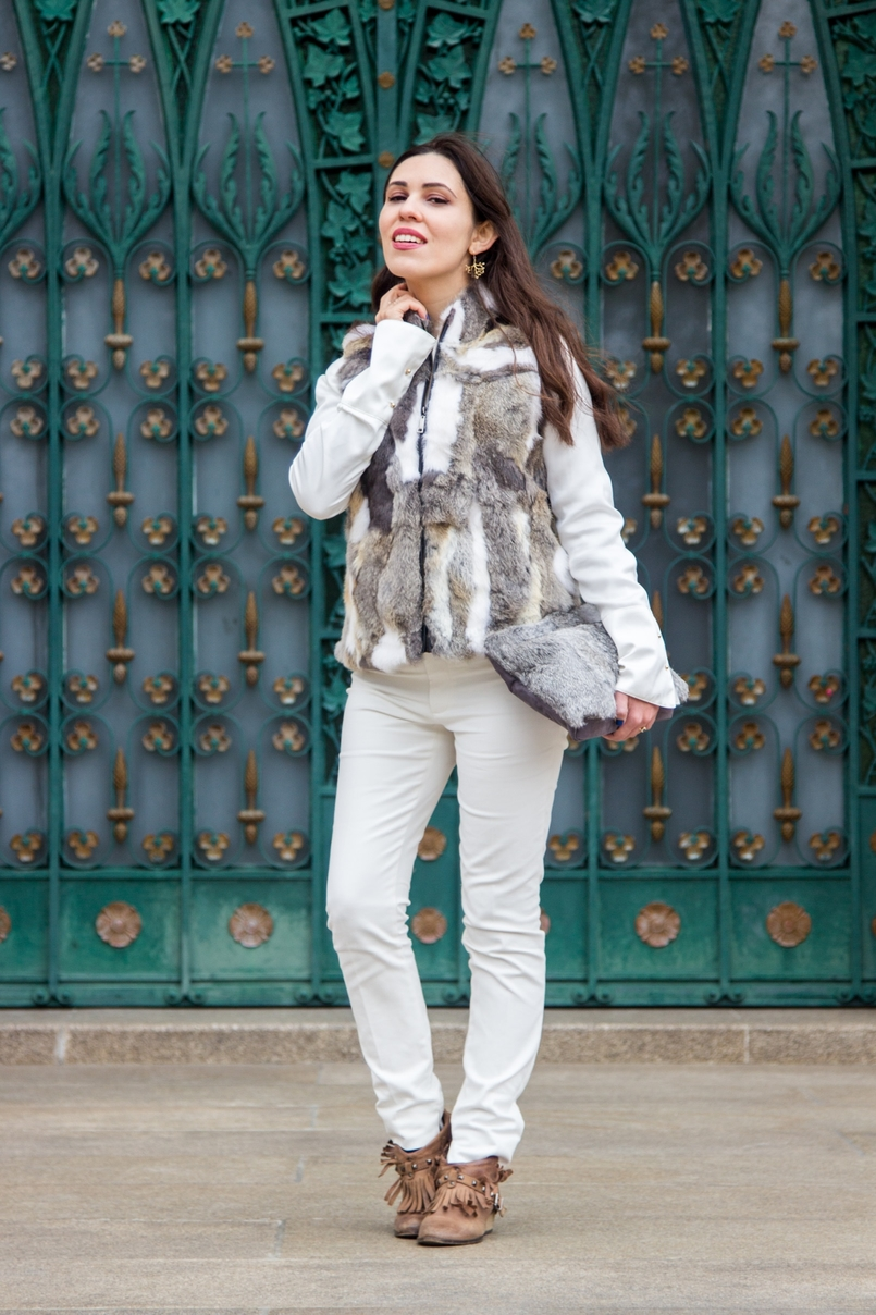 Le Fashionaire Lets talk about leather brown white leather fur vest pants white zara fringes camel bershka ankle boots white silk gold buttons zara shirt leather fur grey sfera clutch 9602 EN 805x1208