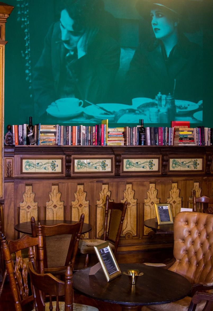 Le Fashionaire Chiado Café Literário livros sala bonita chiado cafe literario 0075 PT 805x1176