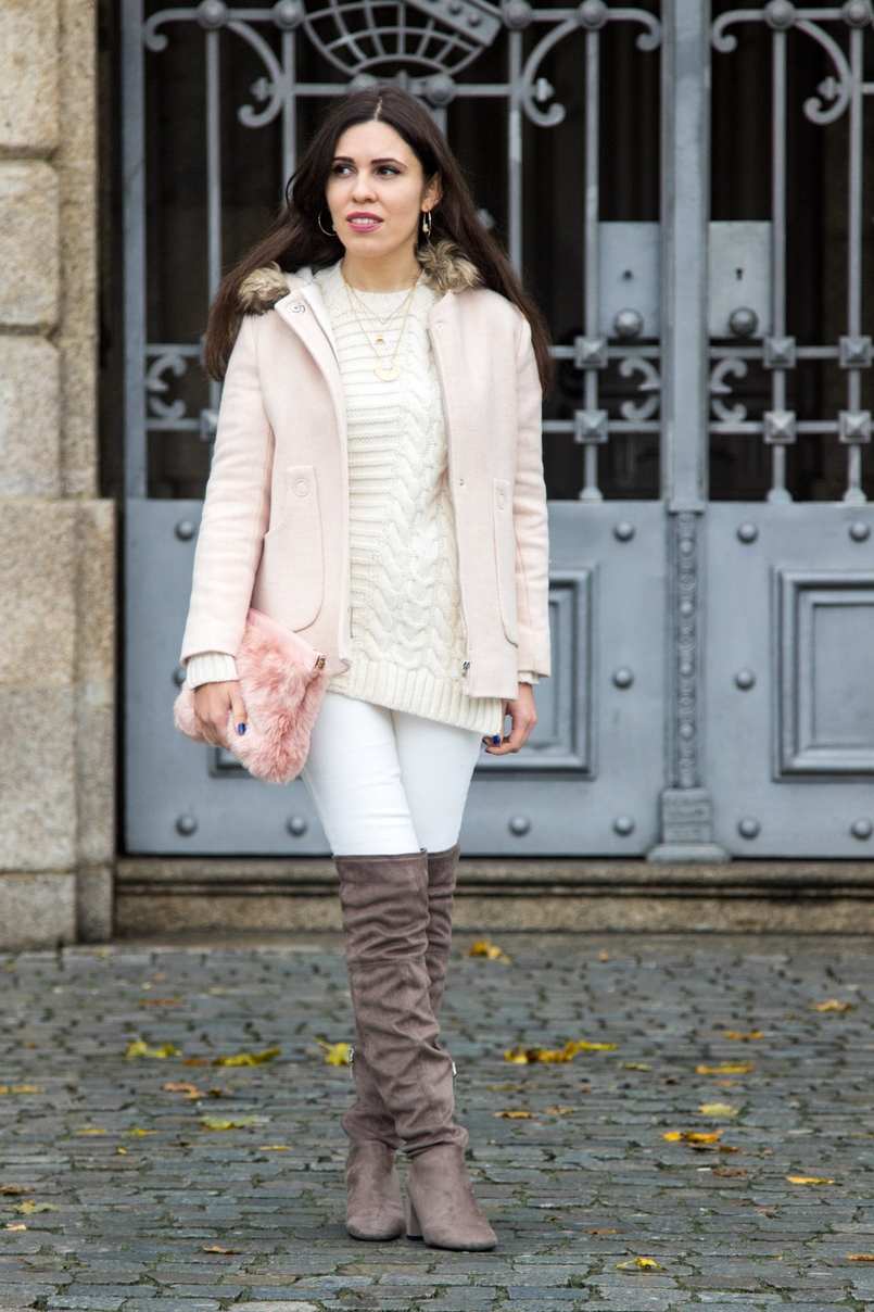Le Fashionaire Think Pink pale pink winter fur coat zara kids wool knit sweater white mango white jeans mango over knee grey bershka boots fur pale pink stradivarius clutch 0166 EN 805x1208