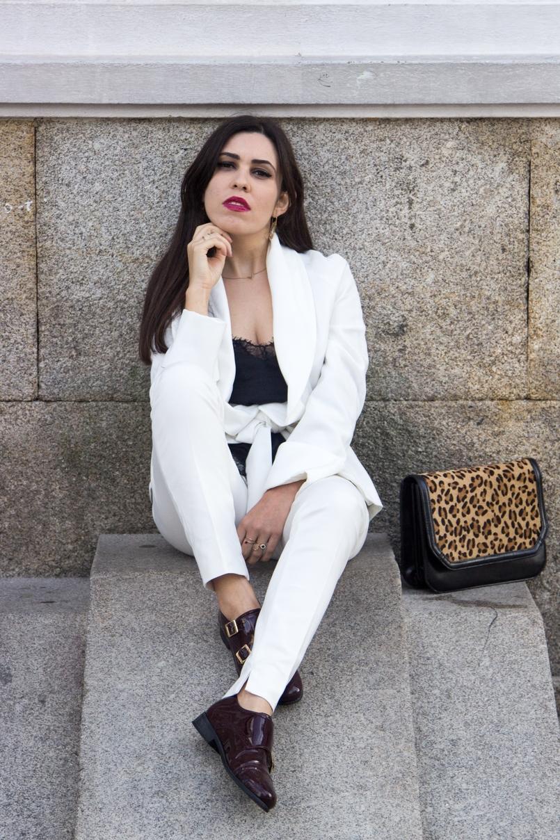 Le Fashionaire Words white belt blazer zara burgundy men style shoes leather black lace top stradivarius leather leopard clutch zara 7555 EN 805x1208