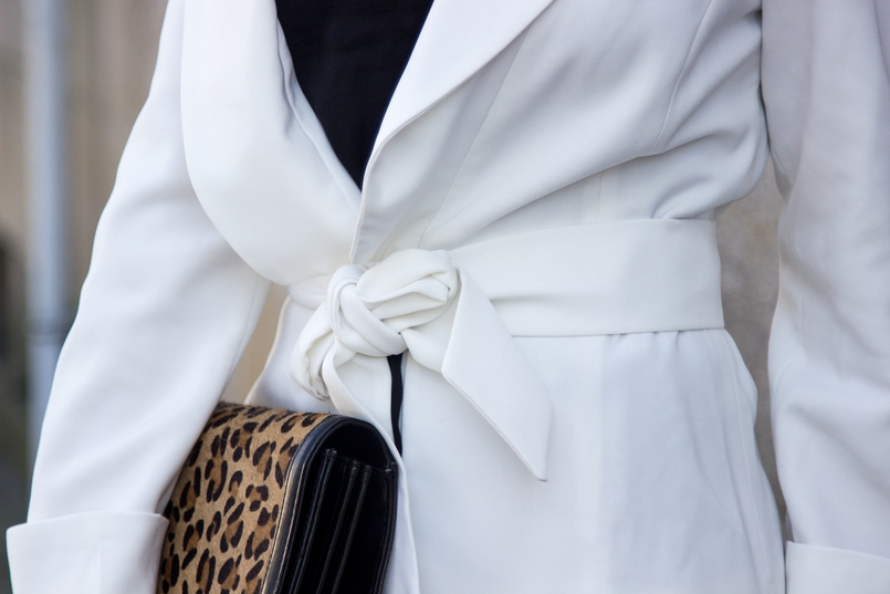 Le Fashionaire Words white belt blazer zara leather leopard clutch zara 7485 EN 805x537
