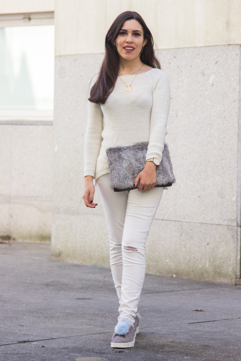 Le Fashionaire Winter is coming white ripped jeans mango white knit sweater namib lefties necklace pompom pale blue grey snieakers zara leather fur clutch sfera gold hm earrings 9291 EN 805x1208